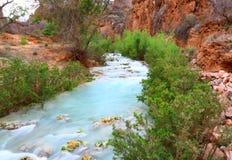 Пеший туризм и заводь - красивый ландшафт - национальный парк Аризона AZ США гранд-каньона Havasupai стоковые фотографии rf