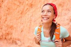 Пеший туризм - портрет женщины Hiker в каньоне Bryce Стоковые Фотографии RF