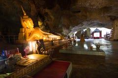 Пещера внутри Будды лежа в пещере, Phang Nga Таиланде стоковая фотография