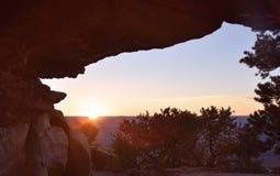 Пещера захода солнца стоковое изображение