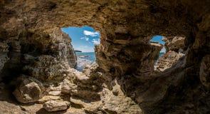 Пещера на побережье Чёрном море Стоковое Фото