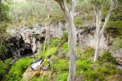 Пещера озера стоковые фотографии rf