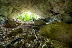 Пещера реки Galbena в горах Apuseni Стоковые Изображения