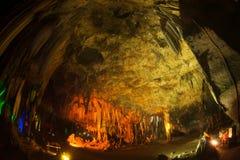 Пещера ящика Khao предлагает поистине изумительные сцены Стоковые Фото