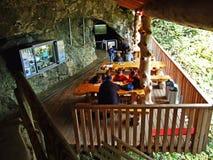 Пещера Kobelwald Кристл или плашка Kristallhöhle Kobelwald Kristallhohle Kobelwald или Kristallhoehle Kobelwald стоковое фото