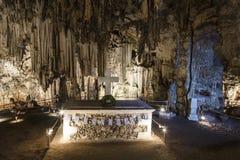 Пещера Melidoni в Крите стоковая фотография rf
