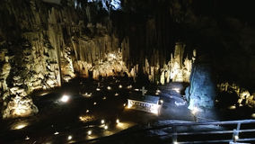 Пещера Melidoni в Крите стоковая фотография