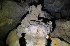 Пещера Va и гайка Nuoc выдалбливают, исследующ пещеру 6 Стоковая Фотография