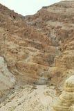 Пещеры Qumran в национальном парке Qumran, где перечени мертвого моря были найдены, поход пустыни Judean, Израиль стоковые изображения
