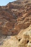 Пещеры Qumran в национальном парке Qumran, где перечени мертвого моря были найдены, поход пустыни Judean, Израиль стоковое изображение rf