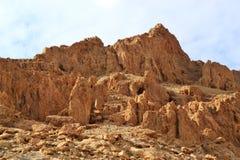 Пещеры Qumran в национальном парке Qumran, где перечени мертвого моря были найдены, поход пустыни Judean, Израиль стоковая фотография rf