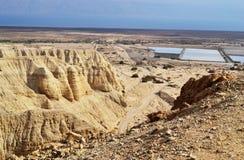 Пещеры Qumran в национальном парке Qumran, где перечени мертвого моря были найдены, поход пустыни Judean, Израиль стоковое фото