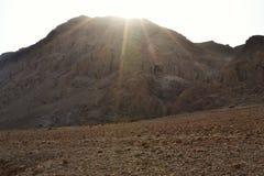 Пещеры Qumran в национальном парке Qumran, где перечени мертвого моря были найдены, поход пустыни Judean, Израиль стоковые фотографии rf
