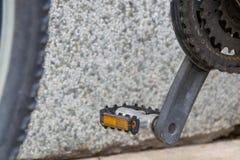Педали и цепные колеса велосипеда Стоковые Фото