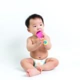 Пеленка азиатского младенца нося стоковое фото rf
