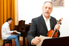 Пианист и violinst Стоковые Фотографии RF