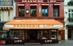 Пивная Lipp известная установка на бульваре St Germain в Париже, Франции Стоковая Фотография RF