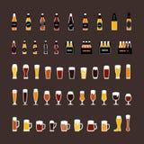 Пивные бутылки и покрашенные стеклами значки установили в плоский стиль вектор Стоковое Изображение RF