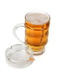 Пиво и сигареты Стоковые Изображения RF