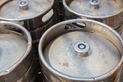 Пиво серебра Ols несется крупный план солнца стоковая фотография