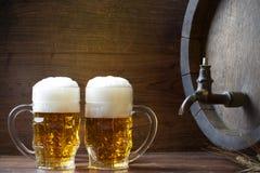 Пиво с бочонком стоковые изображения