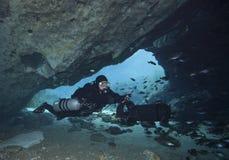 Пикирование пещеры хеллоуина - Blue Springs Стоковая Фотография