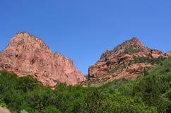 Пики в национальном парке Сиона Стоковое Фото