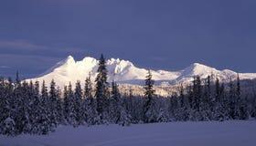 пики горы снежные Стоковые Изображения RF