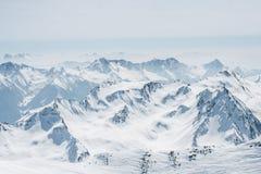 пики гор горы caucasus dombay стоковые фото