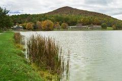 Пики ложи выдры в осени года Стоковое Изображение RF
