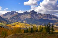 Пики утесистой горы Стоковые Изображения RF