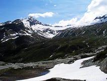 Пики Snowy Альпов Стоковые Фотографии RF