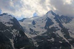 Пики Snowy гор Альпов Стоковое фото RF