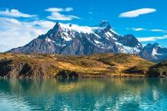 Пики Torres del Paine, национального парка, Патагонии стоковые изображения