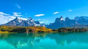 Пики Torres del Paine, национального парка, Патагонии стоковое фото rf