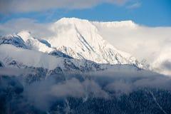 пиковое снежное Стоковая Фотография
