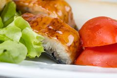 Пикши в студне с салатом и томатом Стоковое Изображение RF