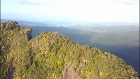 Пик в полуострове Coromandel, Новая Зеландия утеса замка сток-видео
