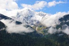 Пик горы снежка Стоковая Фотография