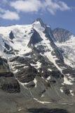 Пик горы Grossglocker с снегом в временени Стоковые Изображения RF