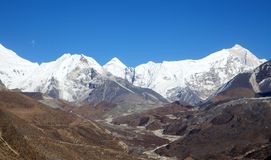 Пик острова (Tse) Imja - популярная взбираясь гора в Непале Стоковые Изображения