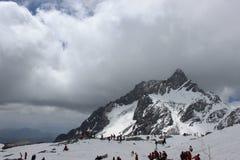 Пик покрытый снегом стоковые изображения rf
