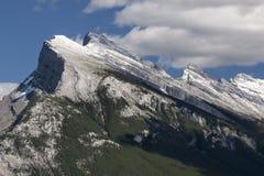 Пик утесистой горы Стоковые Фотографии RF