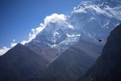 Пик Annapurna и пропуск в горы Гималаев, зона Annapurna, Непал Стоковые Фотографии RF