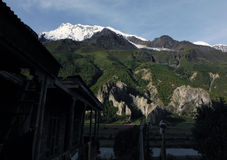 Пик Annapurna III как увидено от укладывая рюкзак ложи Стоковые Фотографии RF