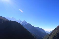 Пик dablam Ama в trekway от Непала в треке everest Стоковые Фото