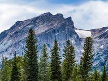 Пик Hallett в национальном парке скалистой горы стоковая фотография