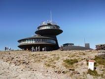 Пик Sniezka, метеорологическая обсерватория Стоковые Изображения