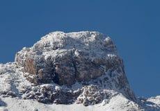 Пик Snowy Стоковые Изображения RF