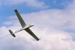 Пилотажное 2-место цельнометаллическое позволило планеру L-13AC Blanik для двойной пилотажной мухы тренировки Стоковые Изображения